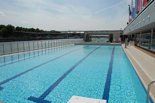 Les piscines de paris sont faites pour barboter fleur de menthe for Piscine pour nager paris
