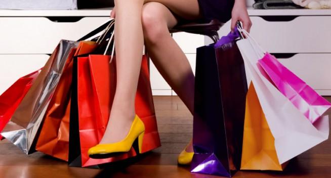 Fièvre acheteuse, accro du shopping : comment en sortir ?