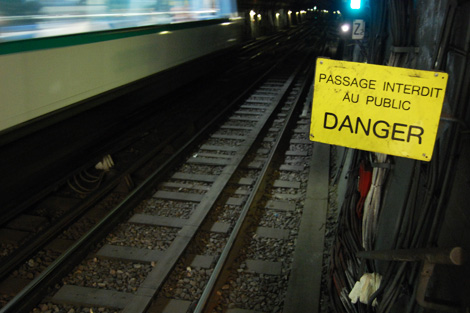 métro paris danger