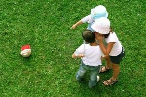 enfants jouant