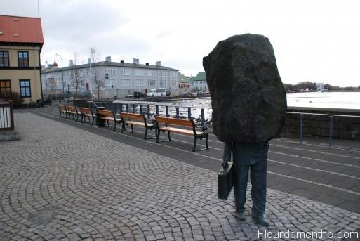 une statue insolite à Reykjavik